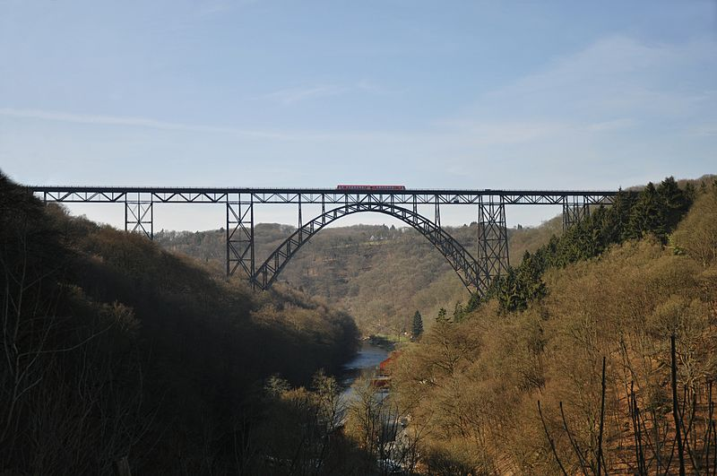 Müngstener Eisenbahnbrücke